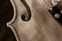 Close-up do violino visto do sepia acima tonificado imagens de stock royalty free