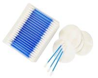 Close up dos artigos da higiene dos banheiros de uma revisão completa Imagens de Stock Royalty Free