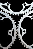 Close up dos chainrings da bicicleta no preto Foto de Stock