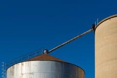 Close-up dos silos no céu azul 2 Foto de Stock Royalty Free
