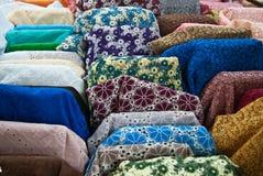 Close up dos vários parafusos da tela na loja Imagem de Stock Royalty Free