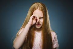 Close-up droevig meisje met ongerust gemaakte beklemtoonde gezichtsuitdrukking royalty-vrije stock foto's