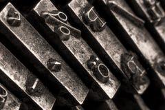 Close-up em uma máquina de escrever antiga fotografia de stock royalty free