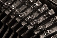 Close-up em uma máquina de escrever antiga fotografia de stock