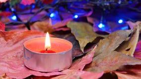 Close-up em uma vela vermelha da cera