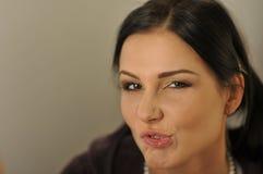 Close-up engraçado modelo da expressão da face Imagens de Stock Royalty Free