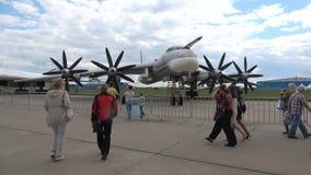 Close up estratégico do bombardeiro Tu-95MS MAKS-2017, Zhukovskiy vídeos de arquivo