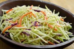 Close up friável da salada de repolho fotos de stock