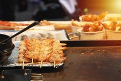Close up Grilled shrimp, skewers Seasoned with chili powder Is a street food stock images