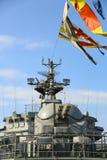 Close-up - het snijden en kanonoorlogsschip Stock Foto