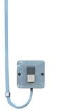 Close up industrial do interruptor de alimentação do botão do controle bonde exterior do equipamento, cabo de fio azul sujo resis foto de stock royalty free