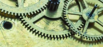 Close-up macro bonito no mecanismo do maquinismo de relojoaria com engrenagens Foto de Stock