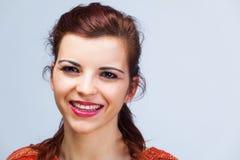 Close-up met glimlachende vrouw stock foto