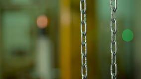 Close-up, metal, corrente pesada na f?brica Equipamento industrial video estoque
