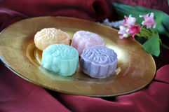 Close up Mooncake on Golden Plate Stock Photography