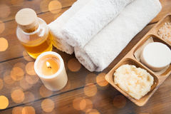 Close up of natural cosmetics and bath towels Royalty Free Stock Photography