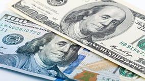 Close-up nieuw en oud Amerikaans geld honderd dollarsrekening Benjamin Franklin-portret, ons het fragmentmacro van het 100 dollar Royalty-vrije Stock Afbeeldingen