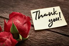 Free Close-up Of A Rosebud And A Note Saying Thank You! On Wooden Background: Concept Of Expression Of Gratitude Stock Photos - 166614223