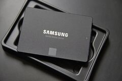 Free Close-up Of A Samsung Brand SSD Drive Royalty Free Stock Images - 220359609
