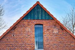 Free Close Up On Brick House With Roof And Old Window Stock Photo - 163175530