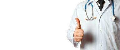 Close-up Onherkenbare Mens Arts Showing Thumbs Up Het Concept van de de Mensengeneeskunde van de gebaargezondheidszorg dat op wit Stock Afbeelding