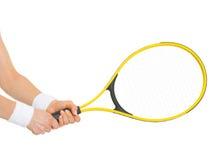 Close-up op hand van de holdingsracket van de tennisspeler Stock Afbeeldingen