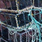 Close-up op Zeekreeftpotten op het dok stock fotografie