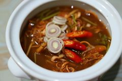 Close up, pickled mussels, lemongrass, shallot, ginger, kaffir lime leaves, scallion, spicy Thai food stock images