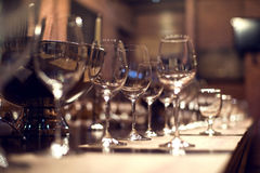 Close up picture of empty glasses in restaurant Royalty Free Stock Photos