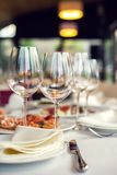 Close up picture of empty glasses in restaurant Royalty Free Stock Images
