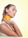 Close-up portrait of happy young woman with juice Royalty Free Stock Photos