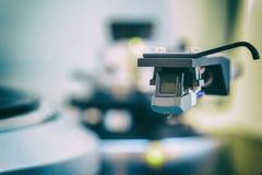 Close up preto do cartucho de Headshell do vinil da plataforma giratória Imagem de Stock