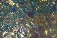 Close up quebrado Multicolour dos glas de Chrystal imagens de stock