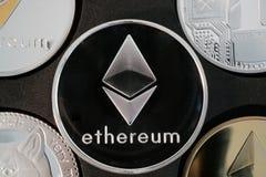 Close up real da moeda de prata do cryptocurrency de Ethereum Imagens de Stock