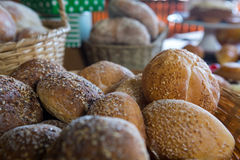 Close-up of sesame breads in basket Royalty Free Stock Photos