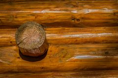 Wood detail on a log cabin 1.0 Royalty Free Stock Photos