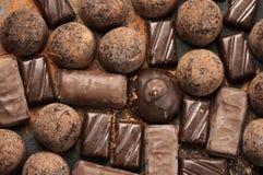 Close-up sortido dos doces de chocolate Fotos de Stock