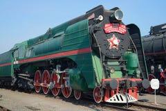 Close up soviético na estrada de ferro, St Petersburg da locomotiva de vapor P-36 do passageiro do vintage Fotografia de Stock