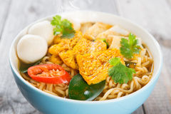 Close up spicy curry instant noodles Royalty Free Stock Photography