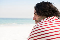 Close up of thoughtful man looking away Royalty Free Stock Images