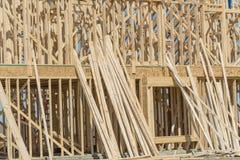 Close-up twee-verhaal stok gebouwd huis in aanbouw in Irving royalty-vrije stock foto