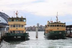 Close-up of two ferries docked at Sydney harbour. 27.september 2010 Stock Image