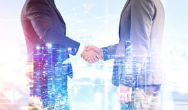 Close up of two men shaking hands Royalty Free Stock Photos