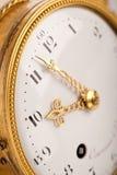 Close-up van antieke gouden klok Stock Foto's