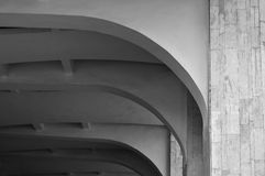 Close-up van architectuurelementen van overspannen steenplafond Architectuur stedelijke minimalistische achtergrond Royalty-vrije Stock Afbeelding
