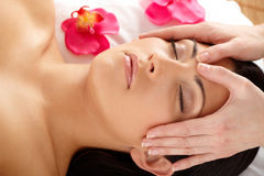 Close-up van Attractive Woman Relaxing Spa Royalty-vrije Stock Foto