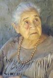 Close-up van bejaarde Inheemse Amerikaanse vrouw Royalty-vrije Stock Foto
