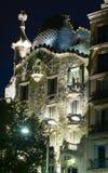 Close-up van Casa Batllo in nacht Royalty-vrije Stock Afbeeldingen