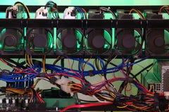 Close-up van DIY-crypto mijnbouwinstallatie royalty-vrije stock afbeelding