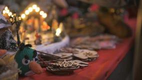 Close-up van een giftwinkel bij Kerstmis stock video